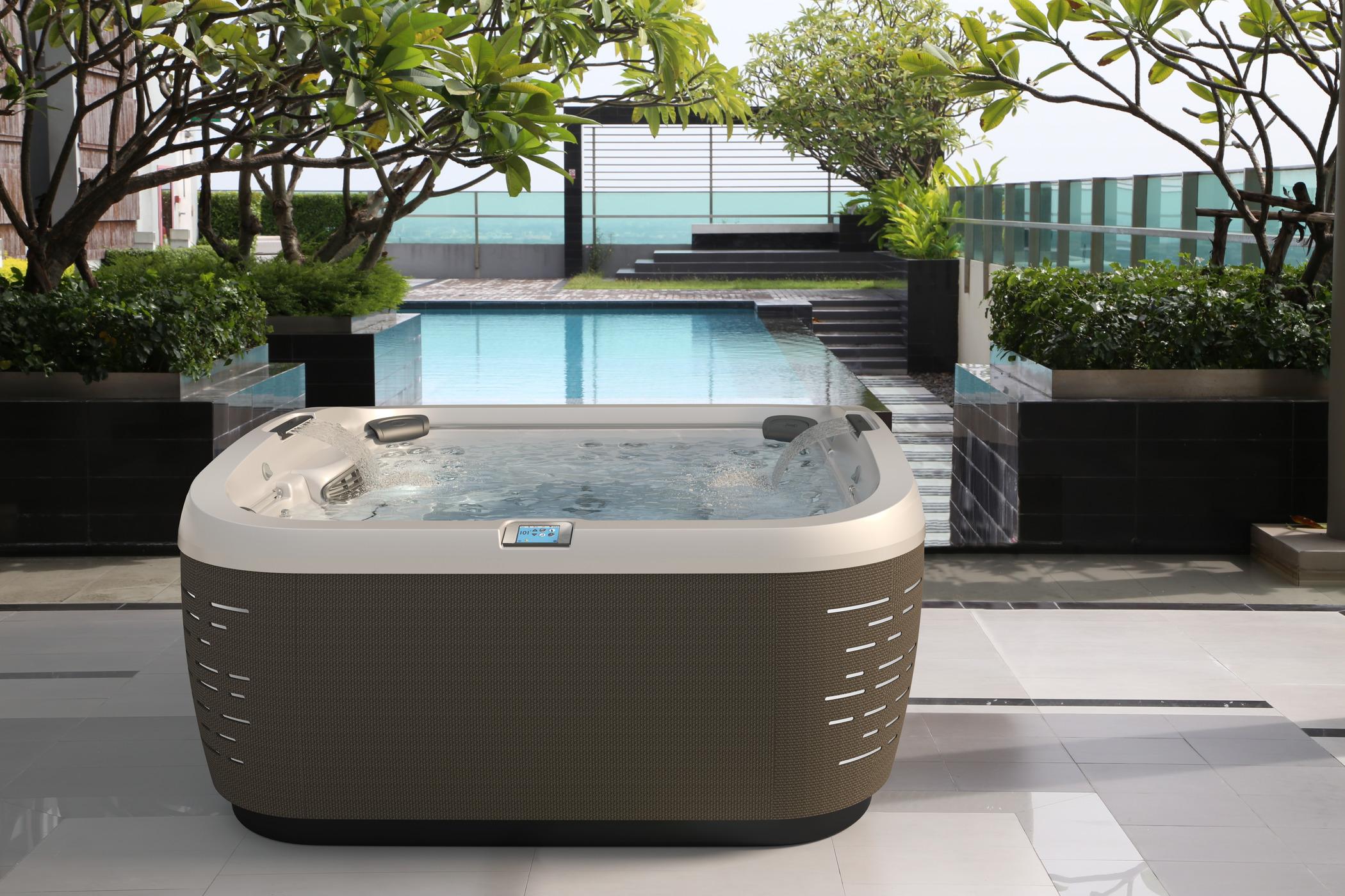 J-500 series hot tub installation in Ocala Florida