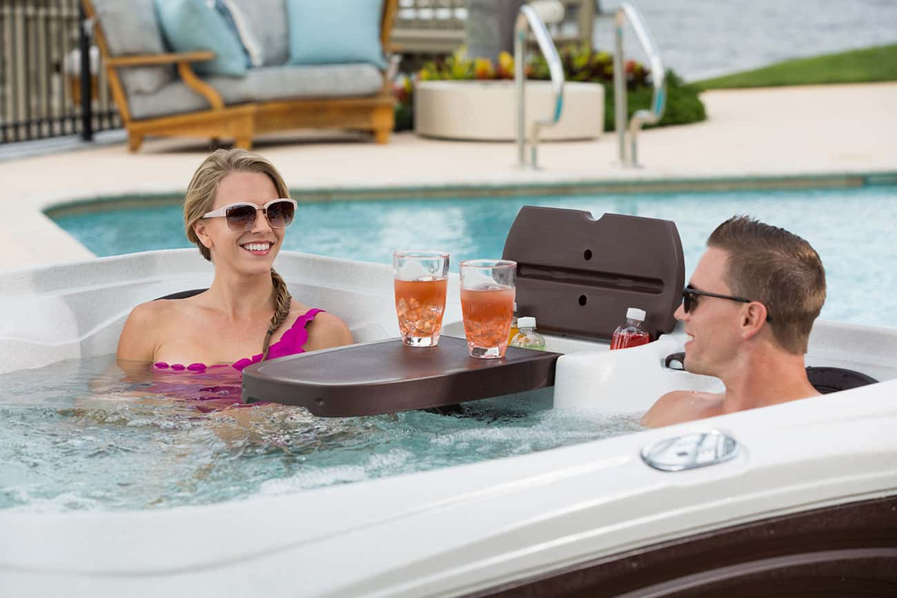 Dream maker spa with 2 adults and drinks