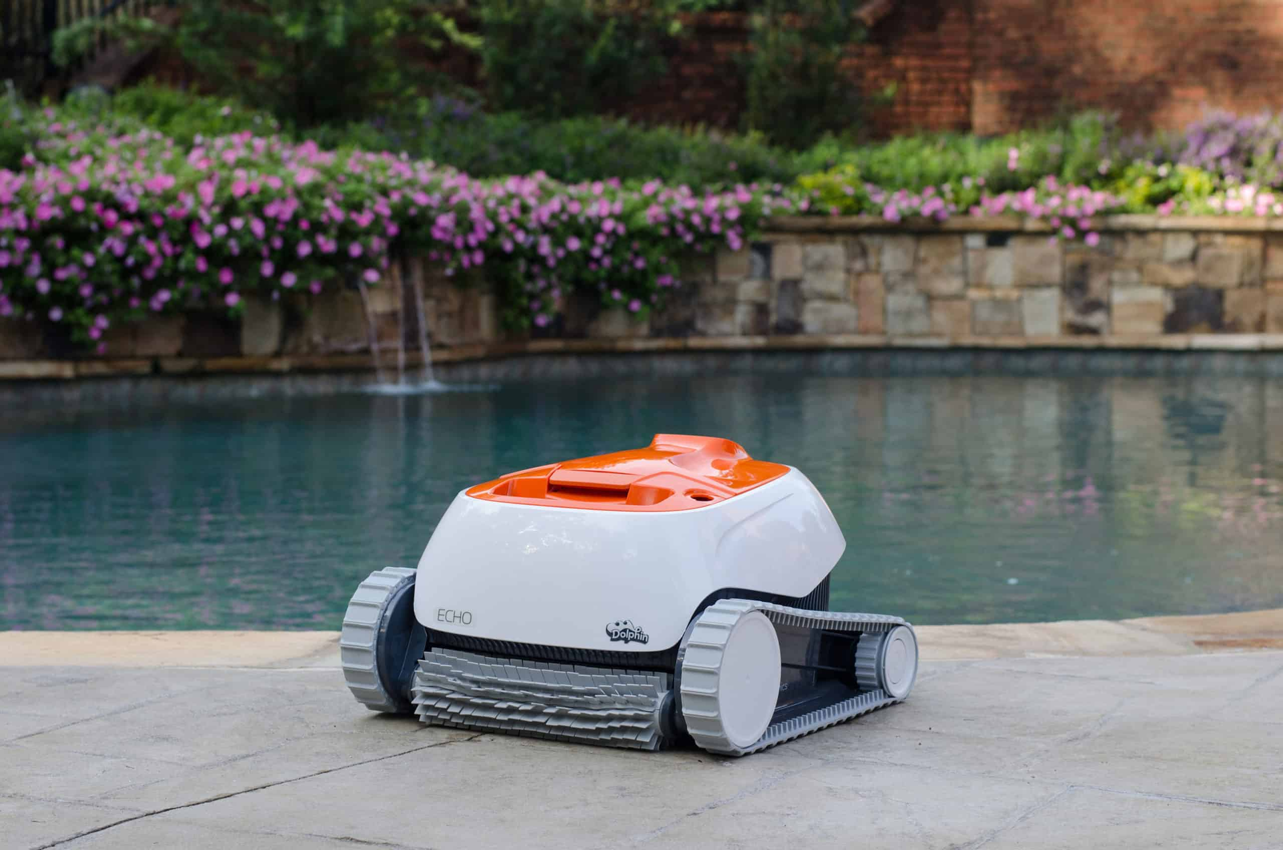 Echo in ground swimming pool cleaner